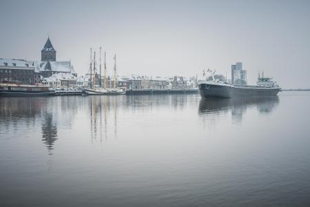 Binnenvaartschip de IJssel bij Kampen