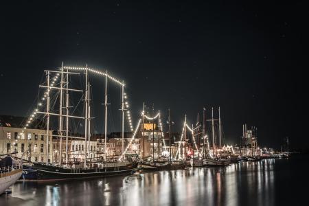 IJsselkade bij nacht
