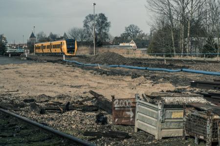 De sloop van het spooremplacement van Kampen